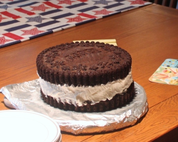 Oreo cookie cake. The center is softened vanilla ice cream